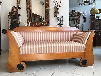 Originales Biedermeier  Diwan Couch Sofa Bett Authentikum Nussfurniert A1714