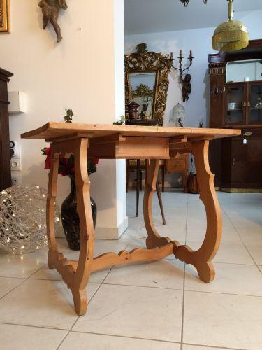 W1274 uriger alter Bauerntisch Beistelltisch Tisch Altholz Tisch