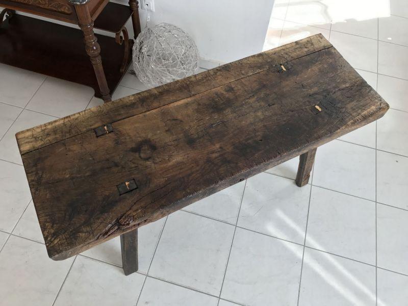 Uriger Bauerntisch Beistelltisch Tisch Altholz Couchtisch Hacktisch - W2028