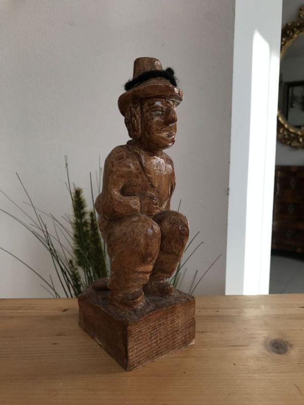 Lustige hölzerner Geldschweisser Holzfigur Schnitzkunst Holzschnitzerei - W2076