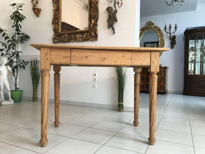 Uriger alter Bauerntisch Beistelltisch Küchentisch Tisch W2050