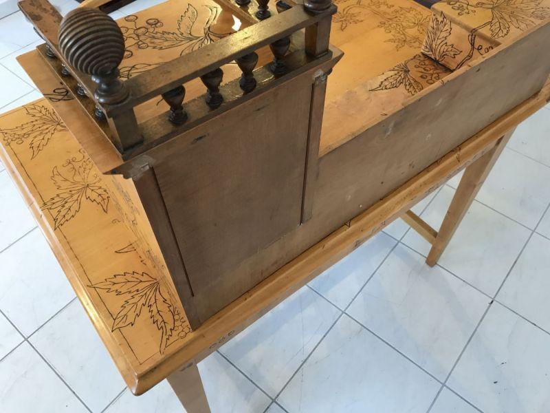 Traum Damenschreibtisch Schreibtisch Historismus mit Stuhl W2242 1