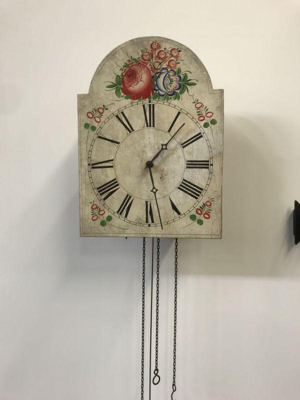 Alte bäuerliche Wandhuhr Bauernuhr Funktionstüchtig hand bemalt  Uhr W3172