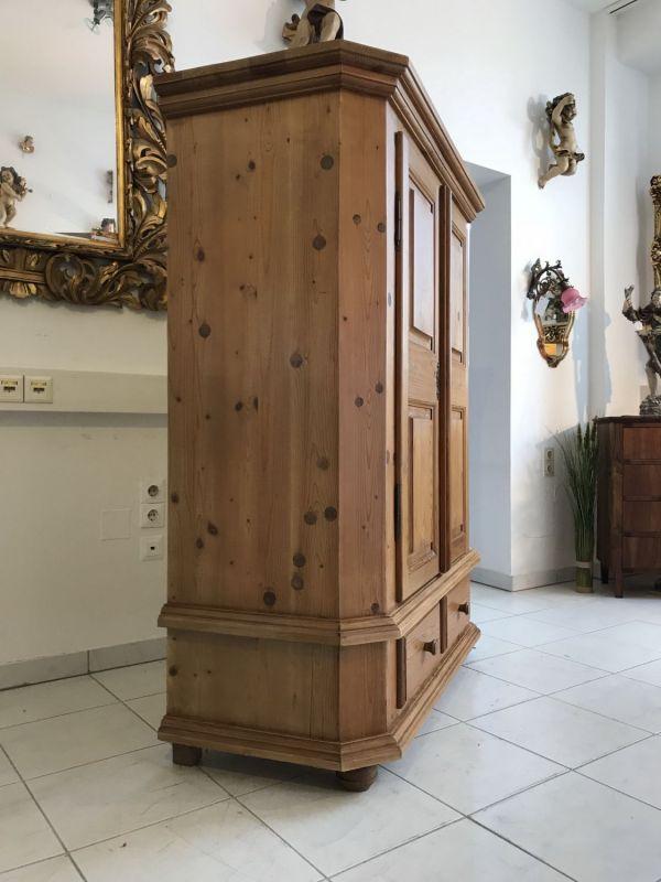 antiker bauernschrank naturholz schrank kleiderschrank. Black Bedroom Furniture Sets. Home Design Ideas