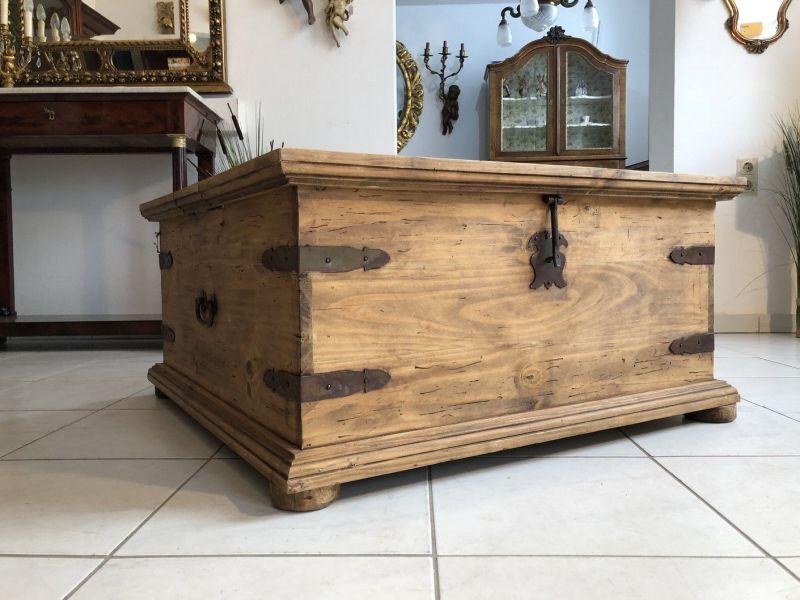 truhen antik kaufen verkaufen m bel antik auf oldthing. Black Bedroom Furniture Sets. Home Design Ideas