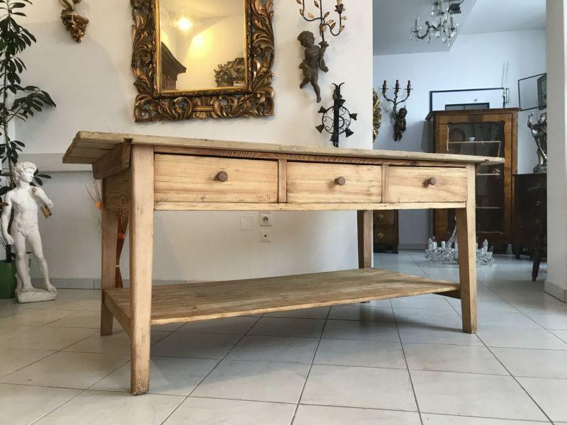Uriger massiver Tisch Bauerntisch Jogltisch Landhaustisch W3335