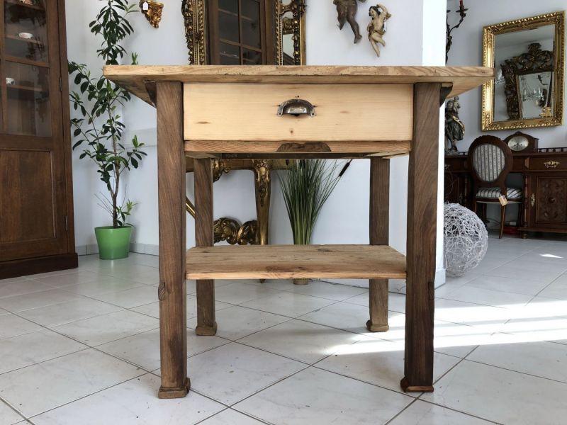 Alter einfacher Bauerntisch Tisch Landhaustisch Fichtenholz X1540