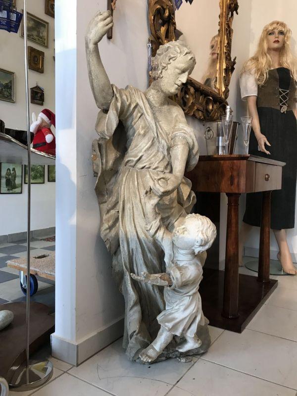 Barocke Heiligenfigur Mutter mit Kind Gottesmutter mit Jesus sehr alt W3518