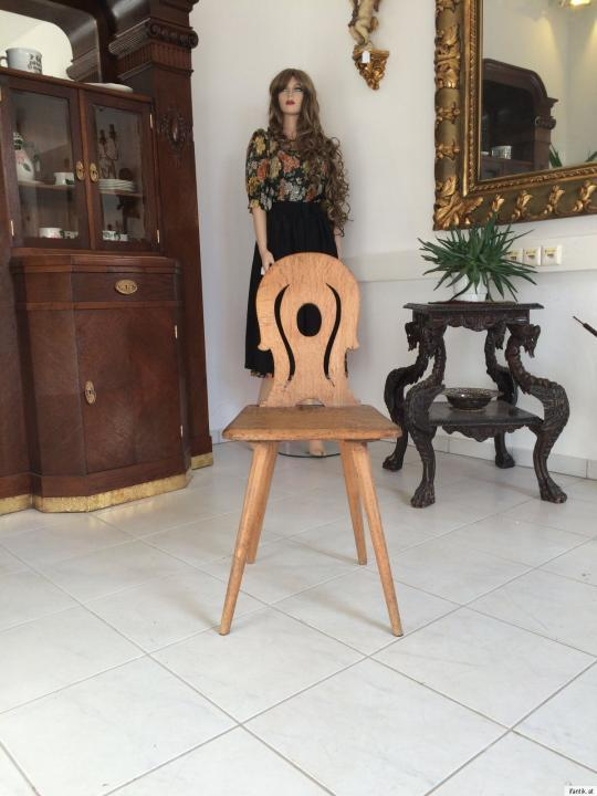 Uriger alter Bauernsessel Sessel Stuhl Massivholz Eichenholz 9174