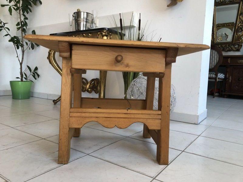 Hübsches Tischerl Tisch Landhausmöbel Naturholz X1989