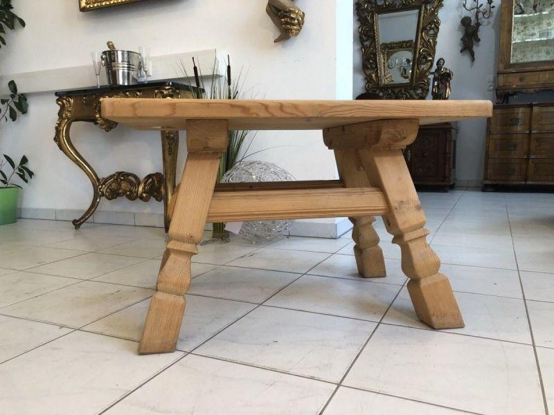 Hübscher Couchtisch Tisch Landhausmöbel X1985
