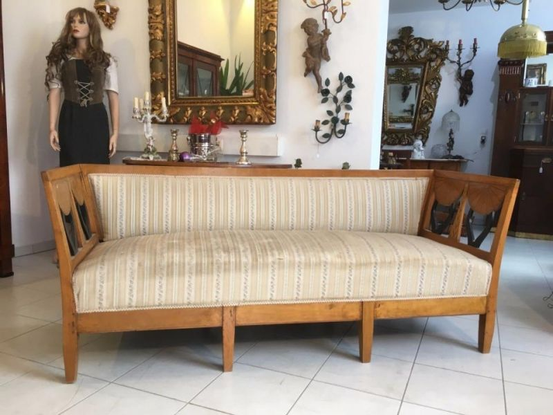 Biedermeier Diwan Couch Sofa Bett Authentikum Nussfurniert A1715
