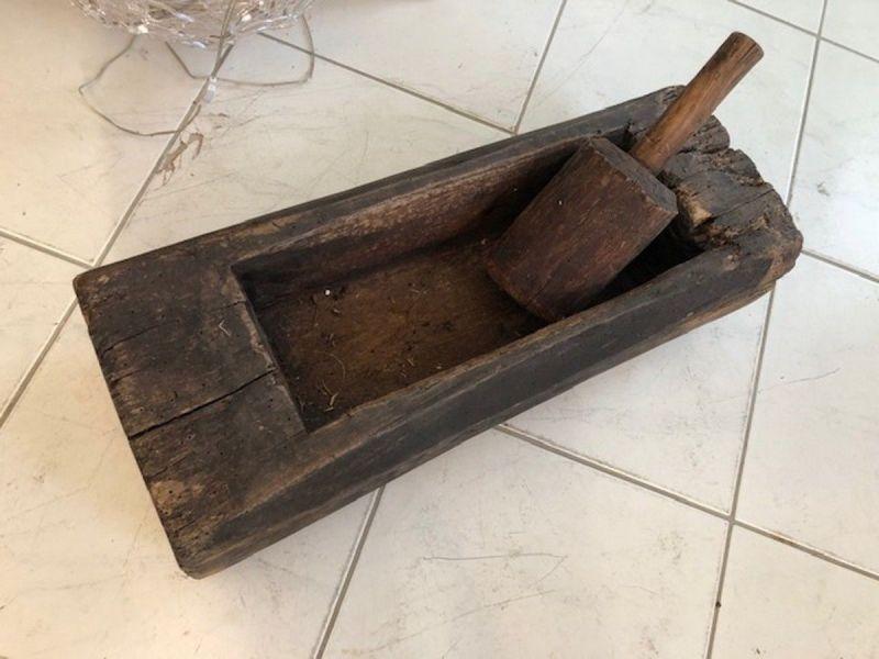 Uriger Holztrog, Holzschüssel, Holzschale X2550