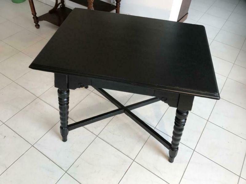 Bäuerlicher Tisch Beistelltisch in schwarz W1569