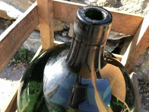 Alte Glasflasche Weinballon, Gärballon, Schnapsflasche X2434