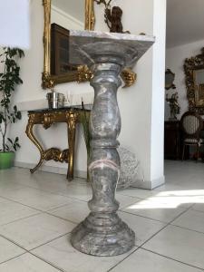 Wunderschöne Marmor Postament Säule Podest X2111