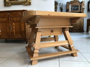 Massiver Couchtisch Tisch Jogltisch Wohnzimmertisch Landhausmöbel Z1674