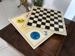 Stilvoller Spieltisch Schachtisch Beistelltisch X2231