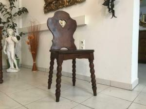 Uirger alter  Bauernsessel Sessel Stuhl Herzerlsessel W3313