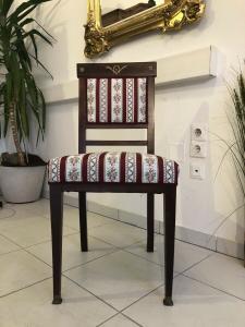 Hübscher Jugendstil Sessel Nussholz Stuhl Z1362