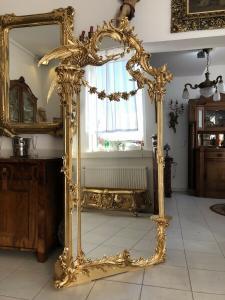 Riesiger Barockspiegel  Florentiner Rahmen vergoldet Vogelfiguren Z1308