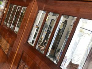 Traunmhafter Jugendstil Schrank Kleiderkasten Spiegelschrank Z1904