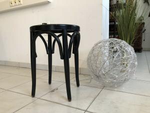 Hübscher Hocker Stuhl Barhocker Rattangelfecht Z1753