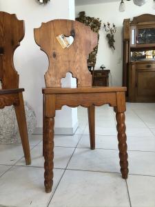 1 Stück uriger Bauernsessel Sessel Stuhl Herzerlsessel Zirbenholz Z2063