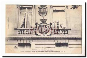 Visite de S M Alphonse XIII a Paris Ansichtskarte AK Le Roi derriere les Fenetres de l'ambassade sourit a la f