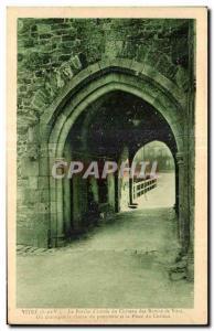Ansichtskarte AK Vitre Le Porche d entree da chateau des Baruns de Vitre On distingue la chaine du pont levis et