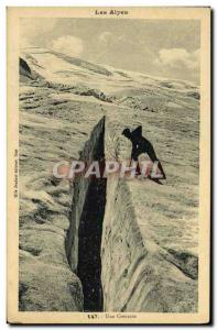 Ansichtskarte AK Les Alpes Une Crevasse Alpinisme