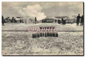Ansichtskarte AK Militaria Camp de Chalons Ecoles a feu Batteries de 95 Au premier plan Obus de 95 mm