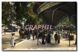 Ansichtskarte AK Vichy Les Galeries couvertes et la rue Cunin Gridaine