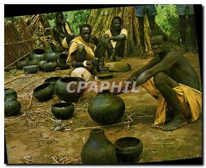 Moderne Karte Baro River Village scene showing the unusual pottery made in this part of the country Ethiopia H