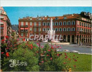 Moderne Karte au soleil de la Cote d'Azur Nice la place Massena ses parterres de fleurs et la fontaine