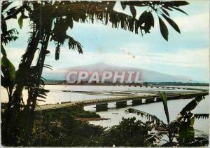 Moderne Karte Douala Pont sur le Wouri Au loin le Mont Cameroun