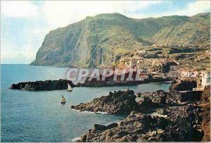 Moderne Karte Madeira 539 cabo girao (world s second highest sea cliff) with camara de lobos village in the fo