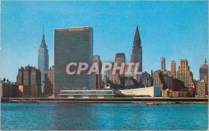 Moderne Karte Mid Manhattan skyline from Across the East River
