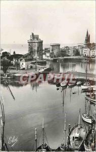 Moderne Karte La Rochelle (Ch Mar) Vue du Bassin et les Trois Tours Bateaux de peche