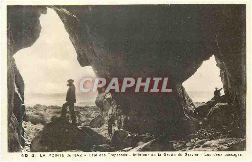 Ansichtskarte AK La Pointe du Raz Baie des Trepasses Interieur de la Grotte du Gravier 0