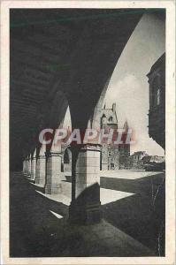 Ansichtskarte AK Vitre (Ille et Vilaine) Cour Interieure du Chateau vue des Arcades