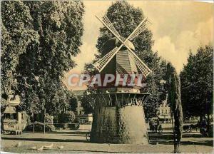 Moderne Karte Spa le Pigeonnier et la Place Royale