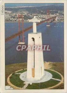 Moderne Karte Lisbonne Le Cristo Rei et le Pont 25 Abril sur le Fleuve Tejo