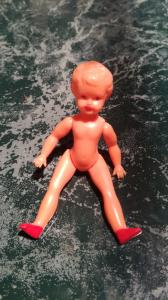 Kleine Zelluloid - Puppe