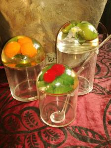 Lucite - Marmeladen Gefäße aus den