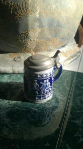Miniatur Bierkrug mit Zinndeckel