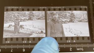 Zwei tolle alte Negative eines Soldaten - Offizier ?