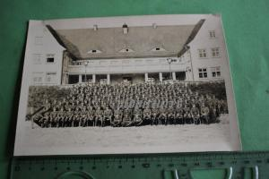 Tolles altes Gruppenfoto  - Soldaten Luftwaffe - Ort ??? Gebäude