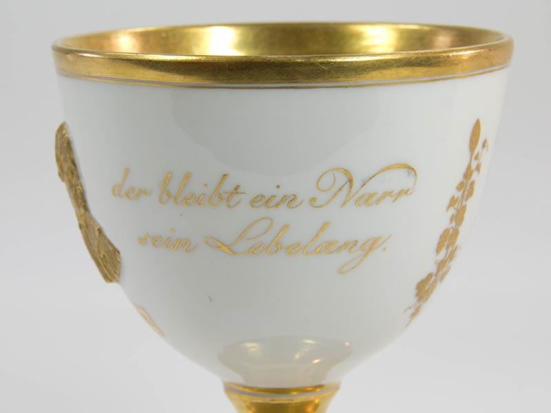 Kleiner Pokal Mitte 19. Jh., (1846), gemarkt Meißen, auf den 300. Todestag des Reformators Martin Luther,  Goblet, 1849, marked Meißen, to the 300th day of death of Martin Luther, with a portrait of him in gold, very good condition. 3