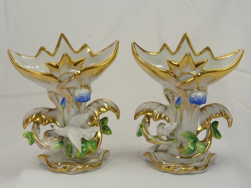 Paar Vasen, 2. Hälfte 19. Jh., ungemarkt, wohl Böhmen, ziervergoldet, bestoßen. H: 13,5 cm 0